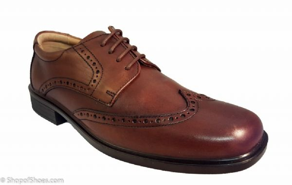 Smart leather mens oxford brouge shoe in traditional deep tan leather.